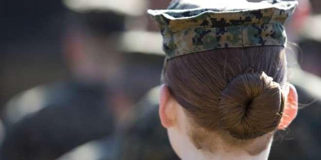 USA, scandalo nei marines: foto di soldatesse nude su Facebook