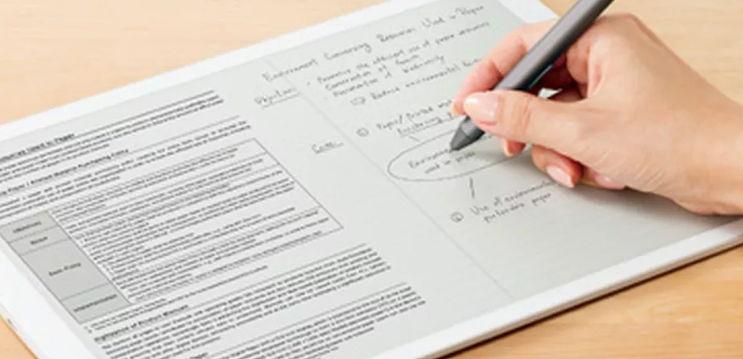 Sony DPT-RP1: il nuovo tablet da 700 dollari su cui scrivere a penna come su un vero foglio di carta!