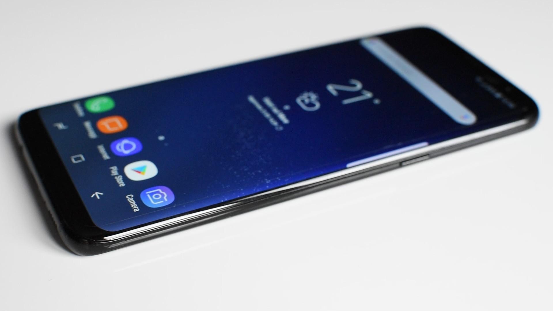 Le vendite di Samsung Galaxy S8 non sono un flop. Il prodotto attualmente ha venduto il 15% in più di Galaxy S7