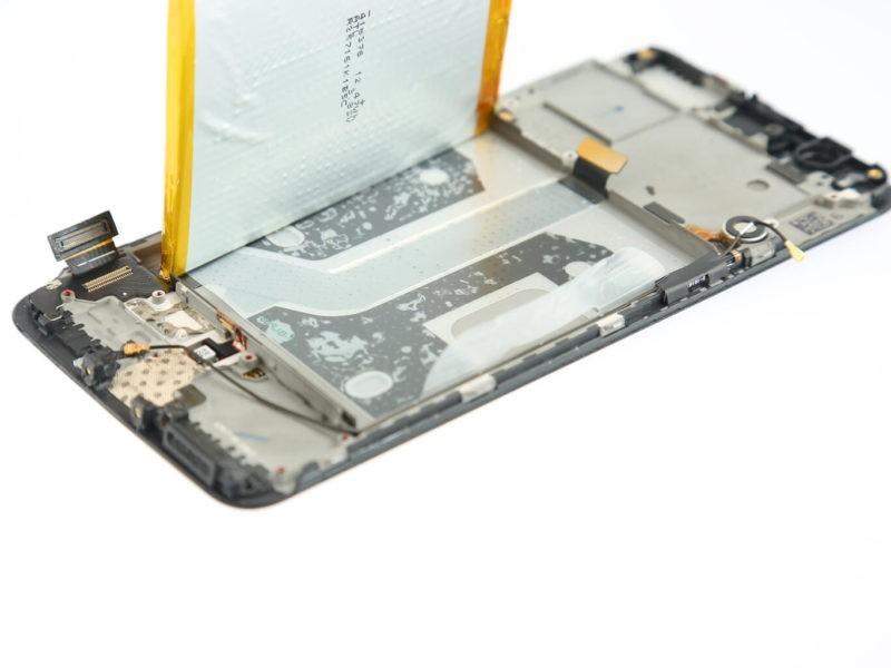 Teardown completo OnePlus 5, tanta colla ma anche molte saldature
