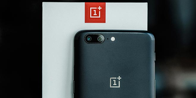 OnePlus 5, i problemi del display causati dalla voglia di copiare Apple