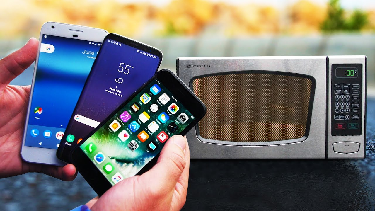 Survival test! iPhone 7 vs Samsung Galaxy S8 vs Google Pixel vs Microonde, tre device cotti a puntino