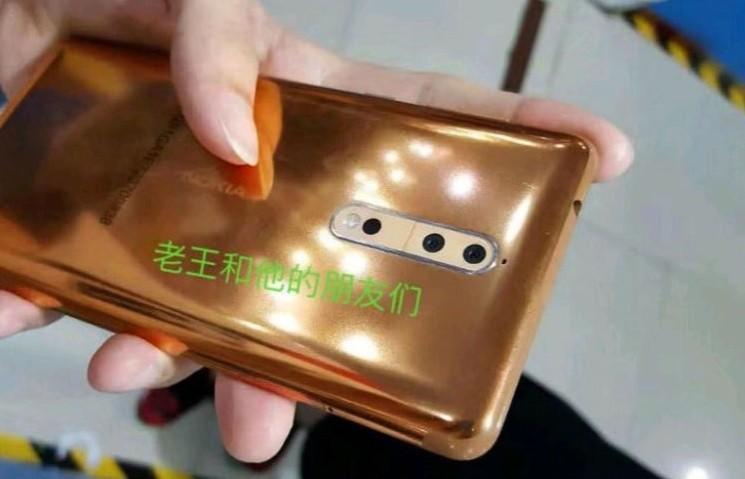 Nokia 8 è un lingottino d'oro, le immagini del prodotto in funzione