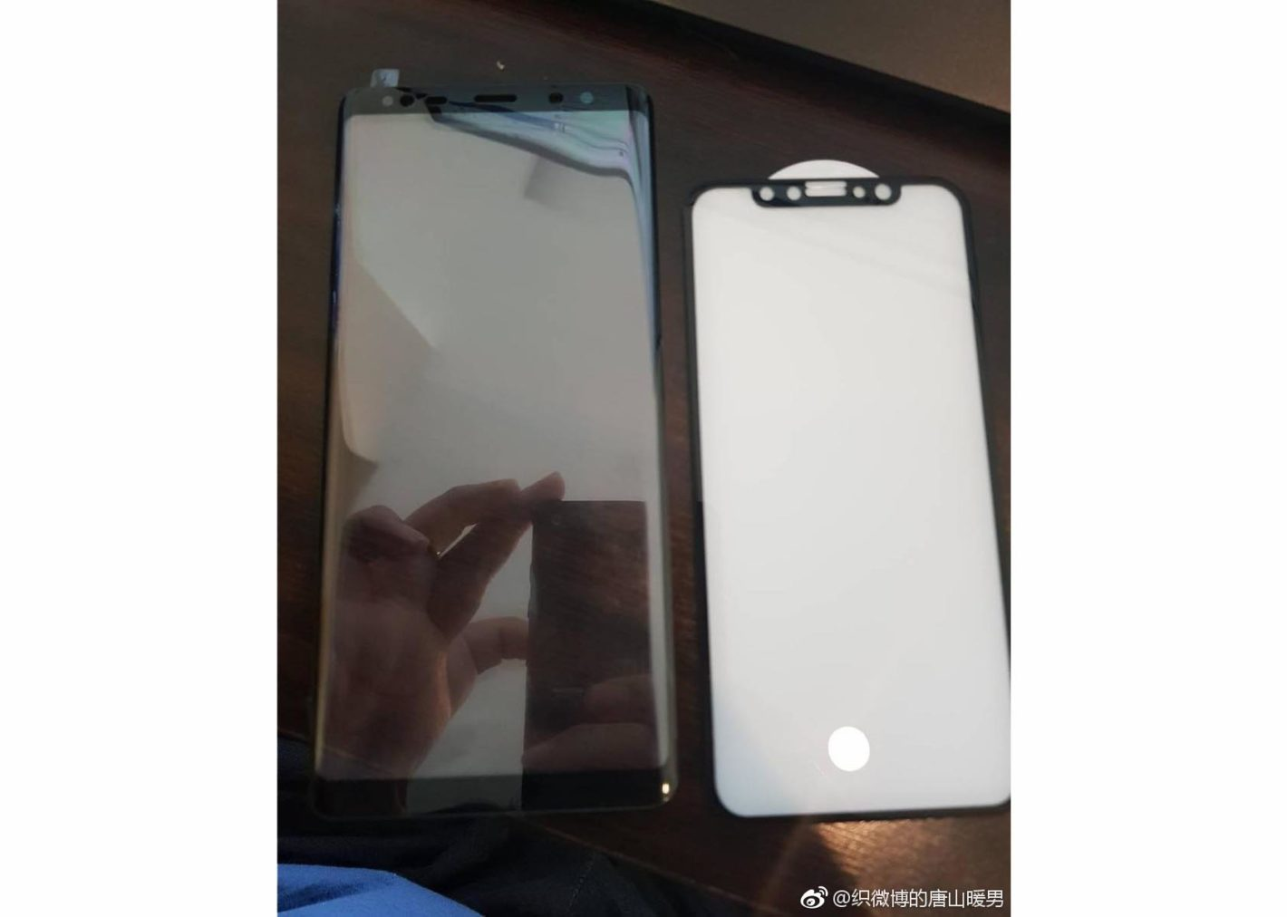 Samsung Galaxy Note 8 ed iPhone 8 pannelli frontali