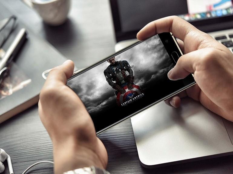 Capitan America testa il consumo di OUKITEL K3