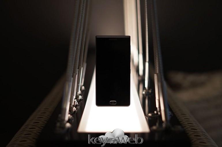 BlackBerry Motion promette 32 ore di autonomia della batteria