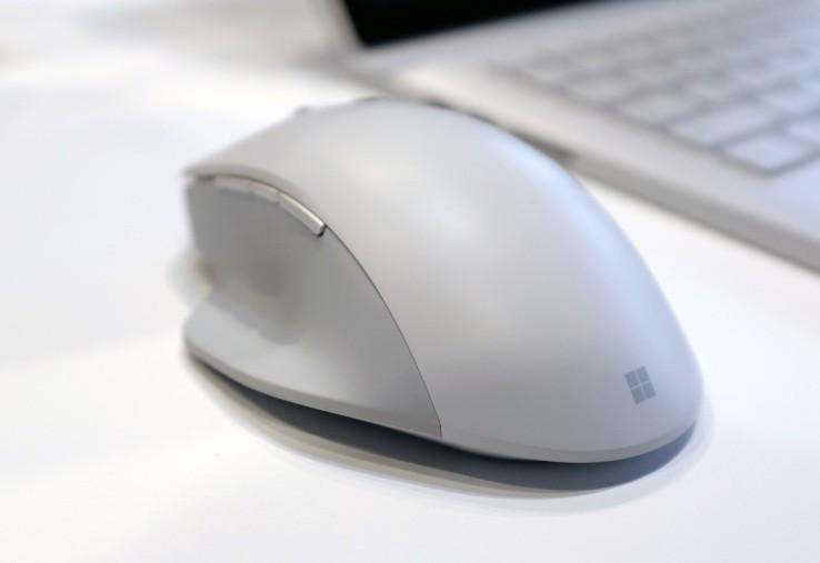 Non solo Surface Book 2, ecco il nuovo Surface Precision Mouse
