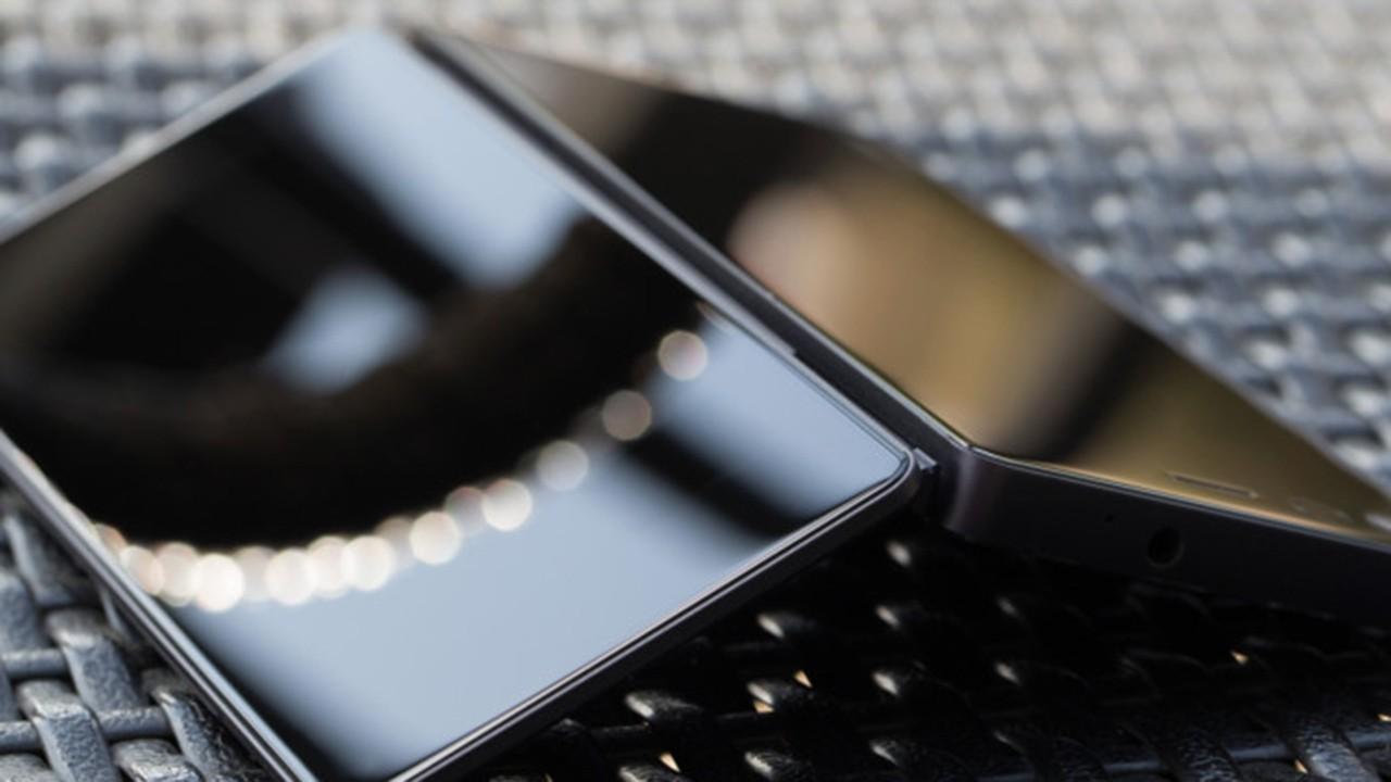 FCC certifica il pieghevole ZTE Axon M, lo smartphone di nuova generazione è in arrivo