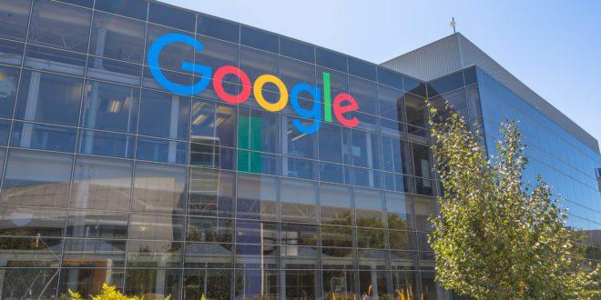 Da Google grave accusa a Microsoft: utenti Windows 7 e 8 in balia degli hacker