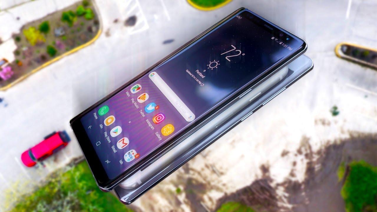 iPhone 8 in un sandwich di Samsung Galaxy Note 8