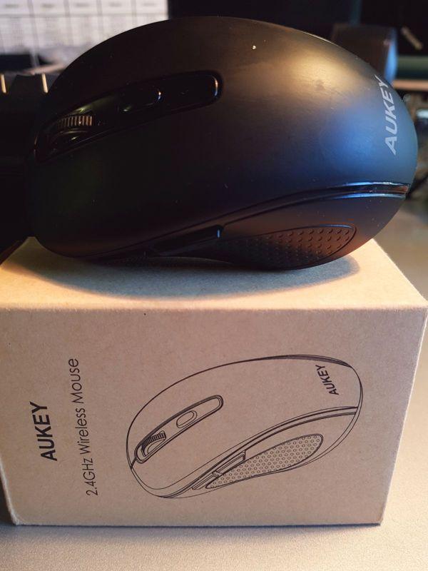 Recensione mouse wireless Aukey KM-W8