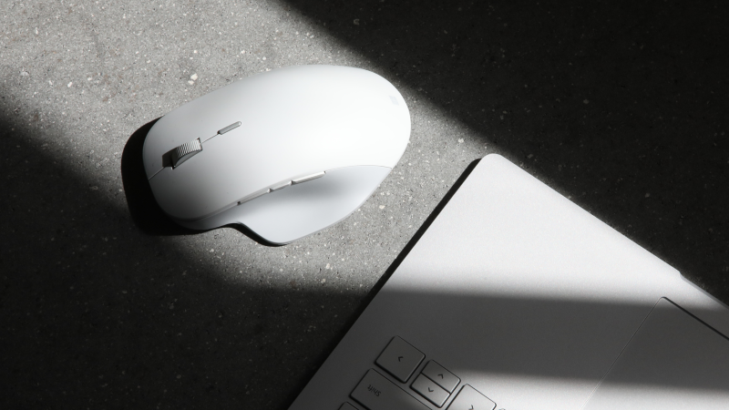 Surface Precision Mouse, ora disponibile per il preordine