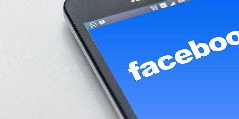 Errore lingua Facebook: come risolvere il problema