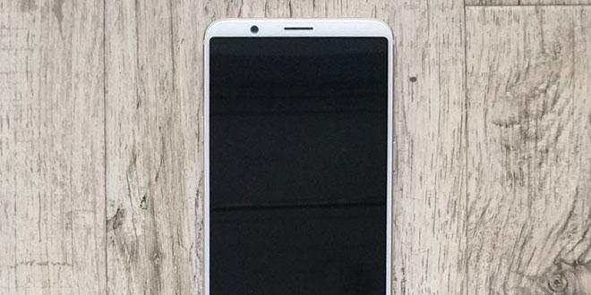 OnePlus 5T bianco esiste secondo nuove indiscrezioni in rete