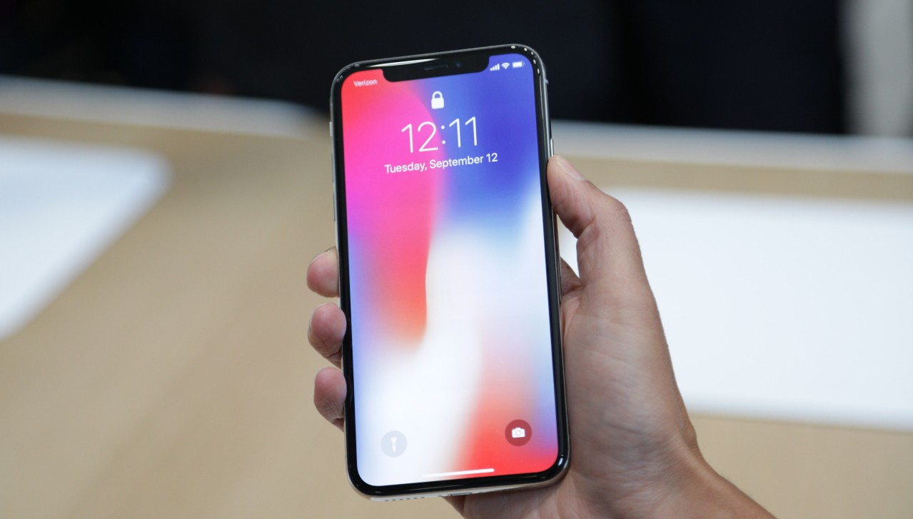 iPhone X: i prossimi modelli avranno i display di Sharp?