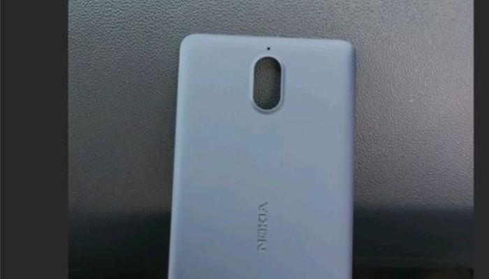 Le prime immagini di Nokia 1 saltano fuori