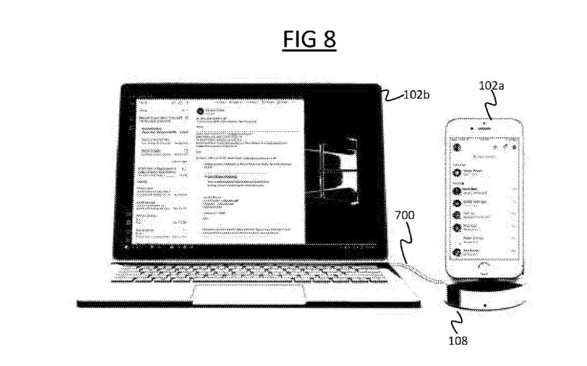 Microsoft, nuovo brevetto per un accessorio per collegare smartphone e PC