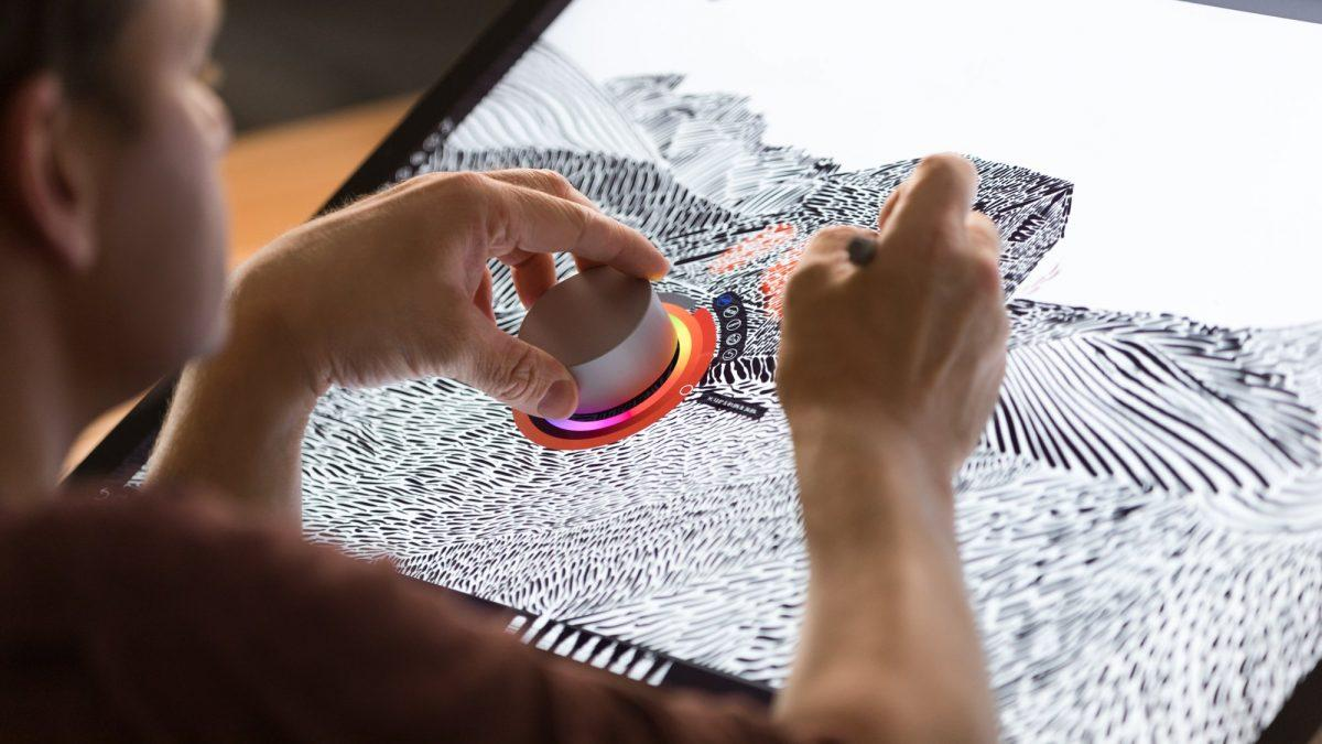 Microsoft, per Surface Pro 4 arriva il supporto a Surface Dial