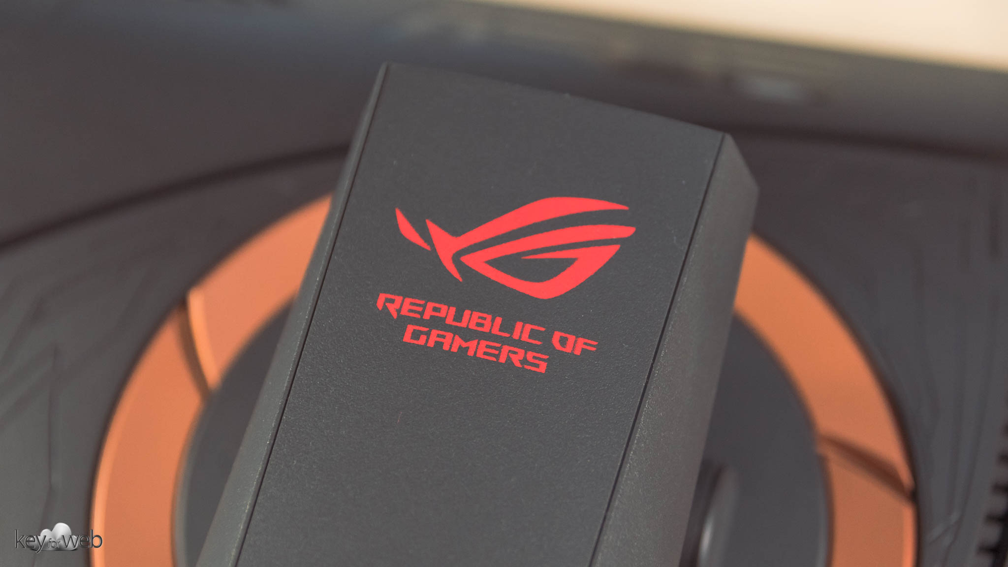 Recensione ASUS PG258Q: monitor Gaming a 240Hz