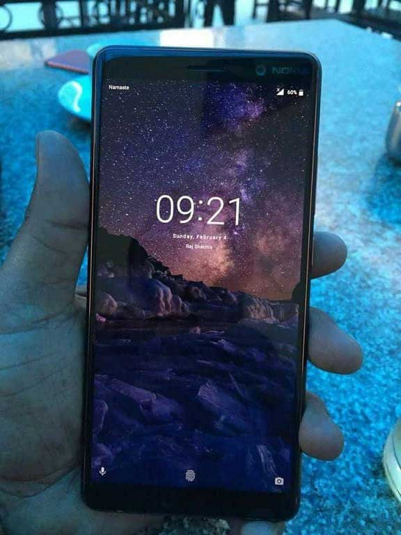 Nokia 7 Plus si avvicina: lo smartphone Android One immortalato dal vivo