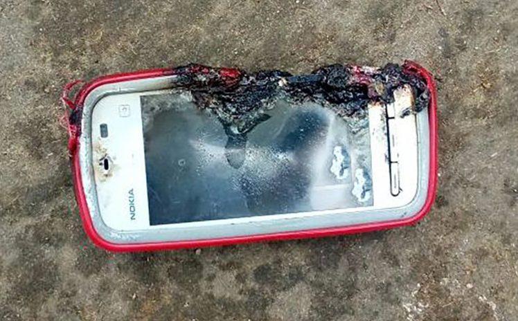 Nokia 5233 esplode uccidendo una ragazza adolescente
