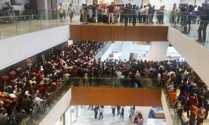iPhone 5s in super sconto, il negozio viene invaso dagli acquirenti