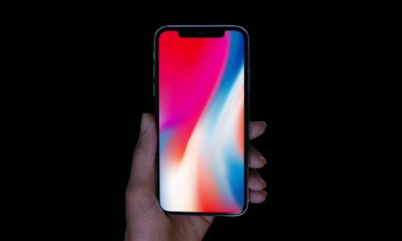 iPhone X: Apple riduce la richiesta di display OLED a Samsung