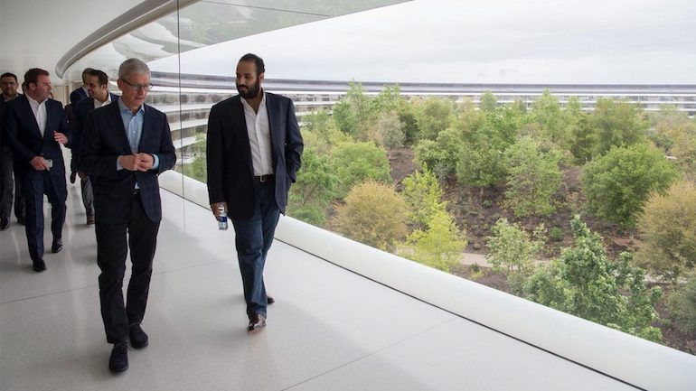 Apple: il principe saudita incontra Tim Cook per discutere di educazione e sviluppo app
