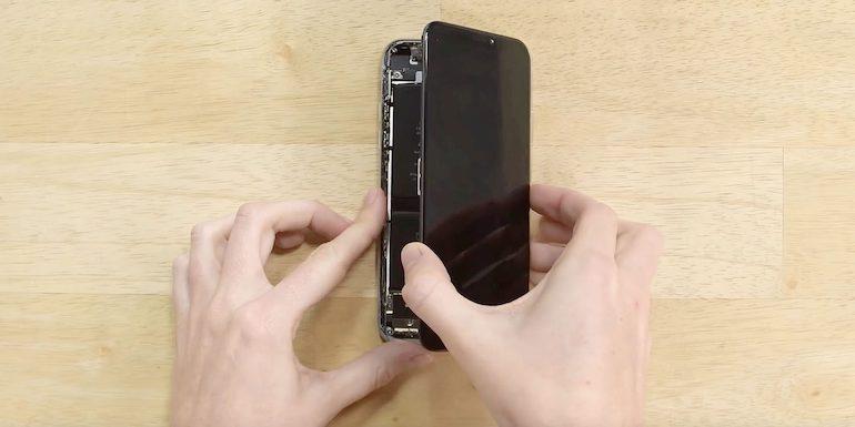 Apple potrebbe essere costretta ad affidarsi ancora a Samsung