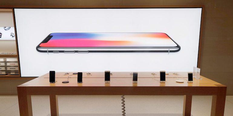 Gli analisti prevedono un aumento delle vendite e delle entrate di iPhone