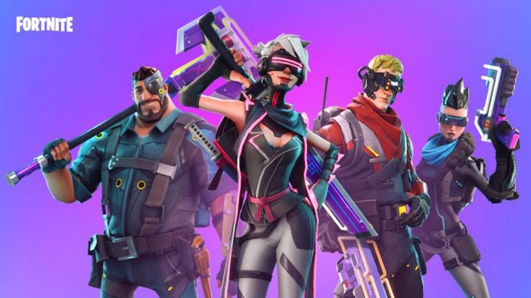 Fortnite rimosso dagli store di Google e Apple: Epic dichiara guerra al business mobile