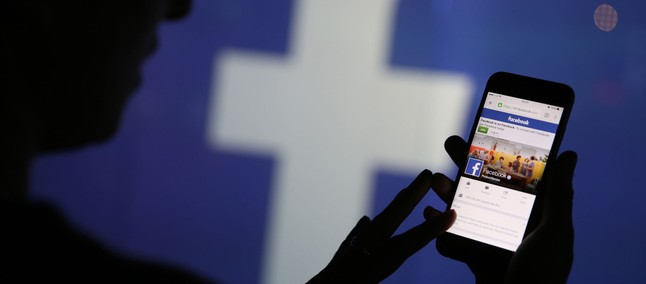 Facebook: arrivano i gruppi a pagamento?