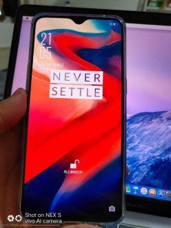 Foto reali di OnePlus 6T trapelate prima del lancio [aggiornamento]