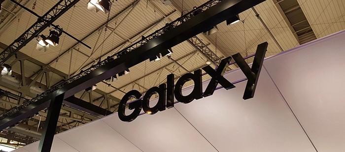 Saranno 4 le colorazioni del nuovo Samsung Galaxy S10