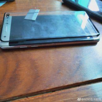 Lo schermo del Samsung Galaxy S10+ è grande quanto l'intero Galaxy Note 7