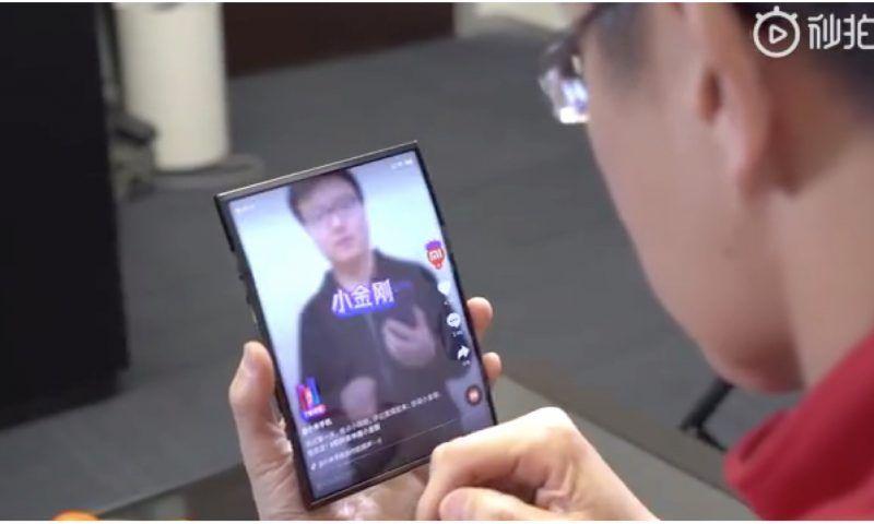 Xiaomi Mi Fold arriva tra qualche mese e costerà la metà di Samsung Galaxy Fold