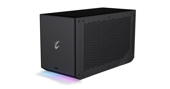 GeForce RTX 30: ecco la prima eGPU raffreddata a liquido di Gigabyte