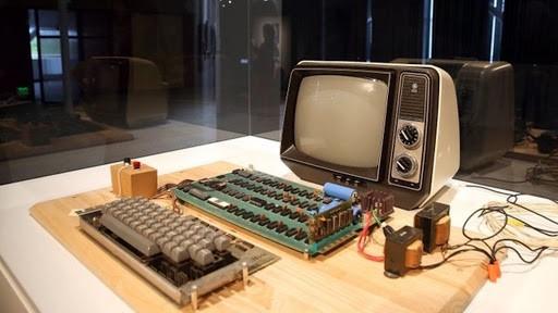 Su Ebay arriva un rarissimo Apple I assemblato da Steve Jobs e Wozniak