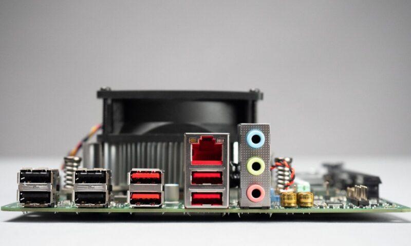 AMD 4700S Desktop Kit è stato svelato: sarà basata sul SoC Zen 2 di Xbox Series X